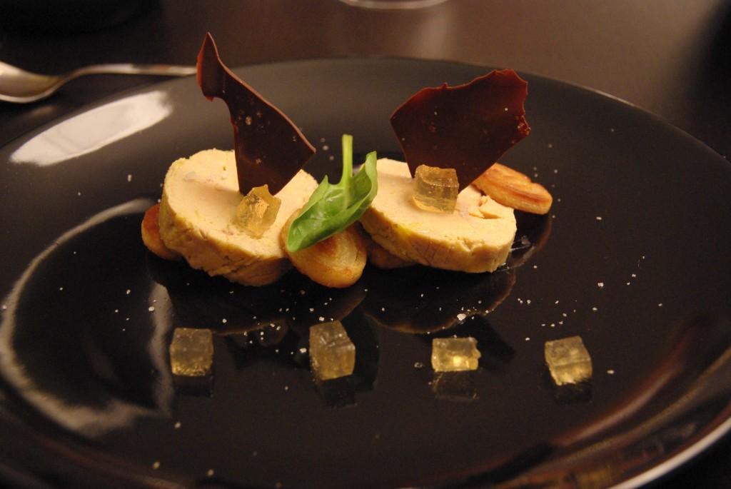 Foie gras coing et chocolat bobstronomie ca se boit - Decoration assiette de foie gras photo ...