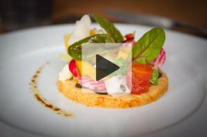 VIDEO – David Bilcot, Le Disini : Tarte sablée au parmesan, légumes de saison et huile d'olive à la truffe