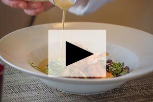 VIDEO – Kevin Breugnot – Les cèpes, en velouté, en habit de raviole et la langoustine pour compagne – Côté Mas à Montagnac