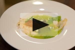 VIDEO – Jonathan Poncelet – Cabillaud en tempura, gaspacho vert et confiture à l'ail