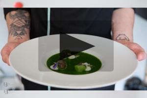 VIDEO – Jonathan Poncelet – Escargots comme une persillade, topinambour et coulis d'épinards