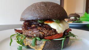 Burger aux insectes avec Food Travelers